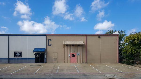 US Storage Centers - Denton - 1815 Shady Oaks Drive | 1815