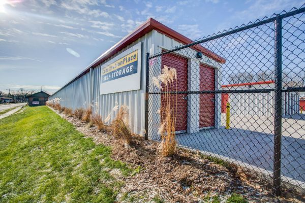 Merveilleux Constitution Place Self Storage. 1202 North Linden Street Bloomington IL ...