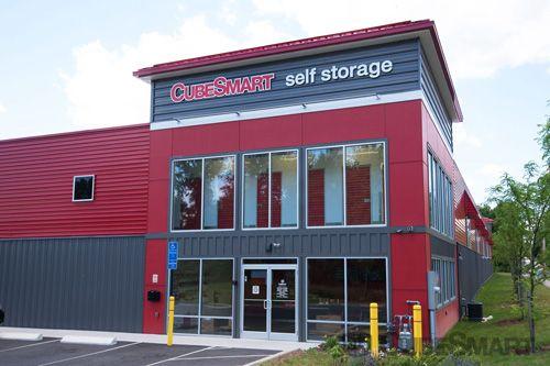 CubeSmart Self Storage - Hamden - 450 Putnam Avenue - 450 Putnam Avenue & CubeSmart Self Storage - Hamden - 450 Putnam Avenue | 450 Putnam ...