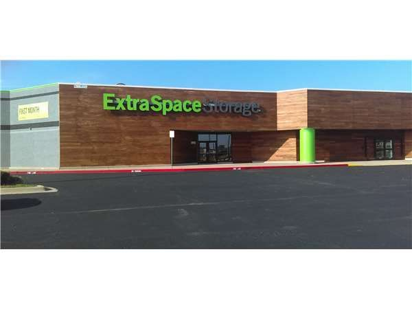 Extra Space Storage - Tulsa - 145th Street  sc 1 st  SpareFoot & 15 Cheap Self-Storage Units Tulsa OK from $19: FREE Months Rent