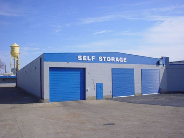 A American Self Storage   St Louis Midtown   1024 S Vandeventer Ave