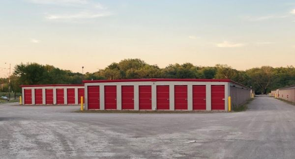 10 Federal Self Storage 2225 J David Jones Pkwy Springfield Il 62703 2225 J David Jones Parkway Sparefoot