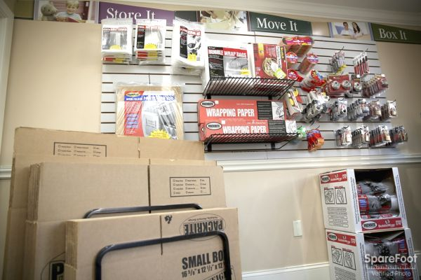 97 Rantoul St Beverly, MA 01915 - Moving/Shipping Supplies