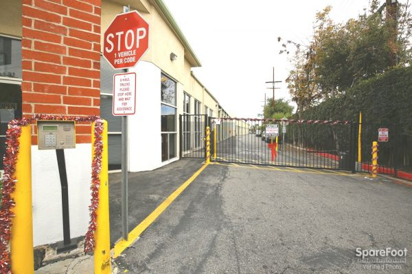 234 N Allen Ave Pasadena, CA 91106 - Security Gate