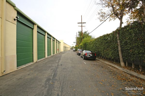 234 N Allen Ave Pasadena, CA 91106 - Driving Aisle|Drive-up Units