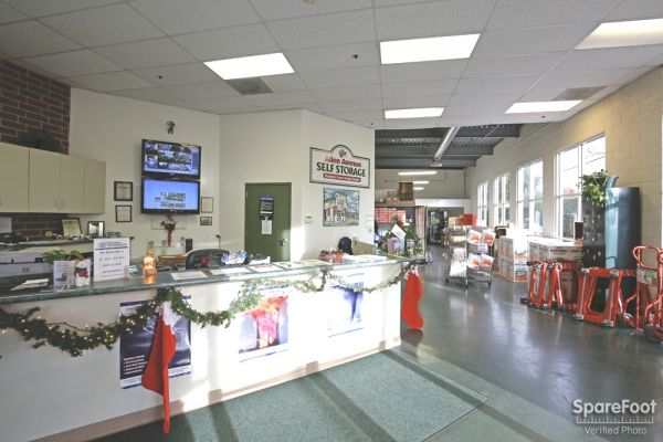 234 N Allen Ave Pasadena, CA 91106 - Front Office Interior
