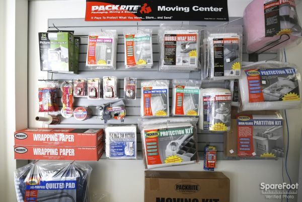 3708 Clifton Pl Montrose, CA 91020 - Moving/Shipping Supplies