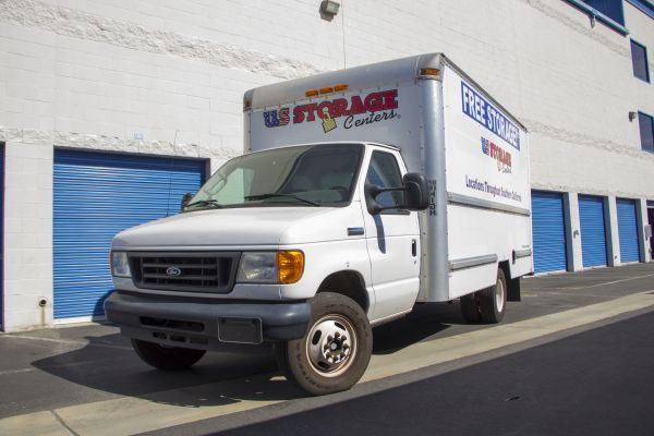 5117 Belair Rd Baltimore, MD 21206 - Moving Truck