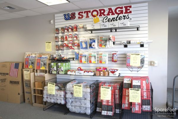 15237 South Brand Blvd Mission Hills, CA 91345 - Moving/Shipping Supplies