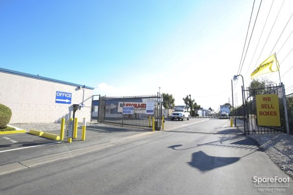 620 W. 184th Street Gardena, CA 90248 - Road Frontage|Signage