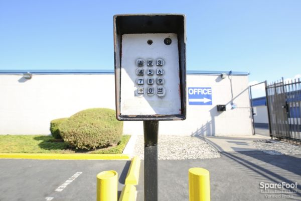 620 W. 184th Street Gardena, CA 90248 - Security Keypad