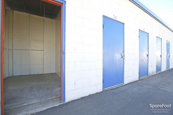 620 W. 184th Street Gardena, CA 90248 - Drive-up Units|Interior of a Unit