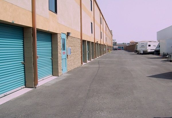 735 W Carson St Torrance, CA 90502 - Drive-up Units