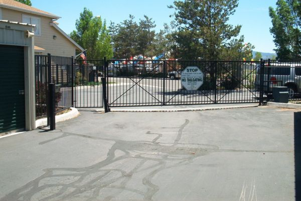 95 Green Acres Dr Reno, NV 89511 - Security Gate