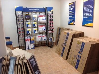 1471 Center St Ext Mt Pleasant, SC 29464 - Moving/Shipping Supplies