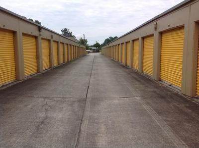 10901 Abercorn Ext Savannah, GA 31419 - Drive-up Units|Driving Aisle