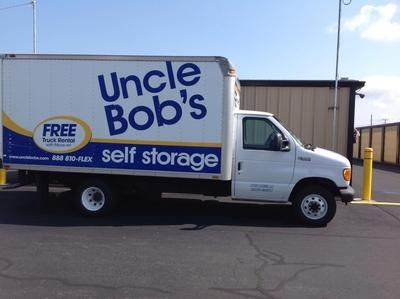 1395 South St Suffield, CT 06078 - Moving Truck