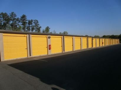 5725 Old National Hwy College Park, GA 30349 - Drive-up Units