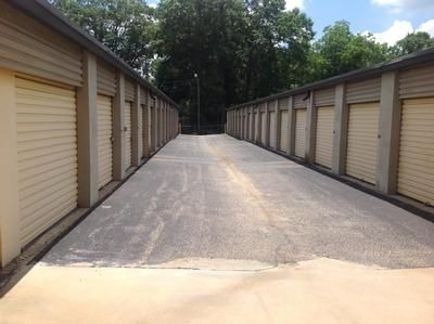2632 Spruce St Montgomery, AL 36107 - Drive-up Units