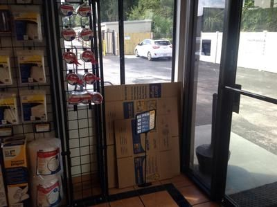 7550 W Waters Ave Tampa, FL 33615 - Moving/Shipping Supplies