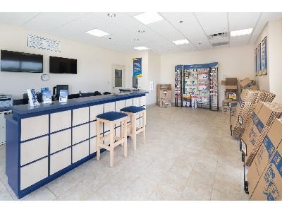 1320 River Rd North Fort Myers, FL 33903 - Moving/Shipping Supplies