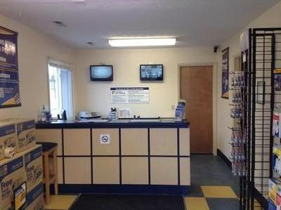 1455 Broadway Ave Bedford, OH 44146 - Front Office Interior