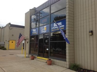 19200 Neff Rd Cleveland, OH 44119 - Storefront