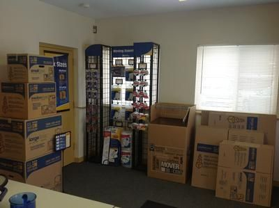 8650 East Ave Mentor, OH 44060 - Moving/Shipping Supplies