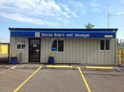 38390 Chester Rd Avon, OH 44011 - Storefront