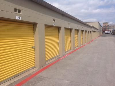 140 Centennial Blvd Richardson, TX 75081 - Drive-up Units