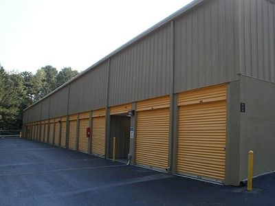 1725 Roswell Rd Marietta, GA 30062 - Drive-up Units