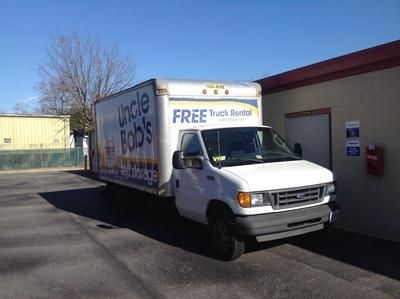 385 S Naval Base Rd Norfolk, VA 23505 - Moving Truck