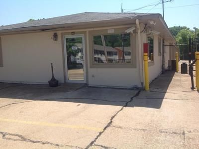 4000 N West St Jackson, MS 39206 - Storefront