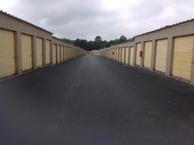 7437 Garners Ferry Rd Columbia, SC 29209 - Drive-up Units