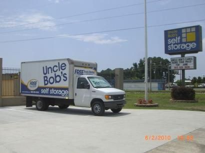 600 Cannon Rd Myrtle Beach, SC 29577 - Moving Truck