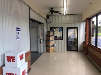 2280 E Main St League City, TX 77573 - Moving/Shipping Supplies