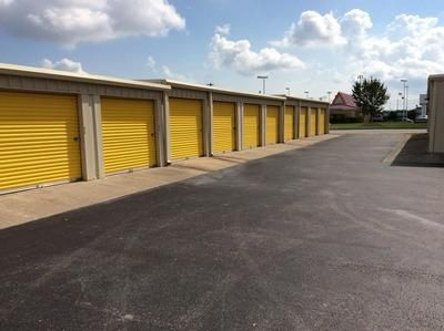 2280 E Main St League City, TX 77573 - Driving Aisle
