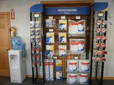 90 Main St Oxford, MA 01540 - Moving/Shipping Supplies