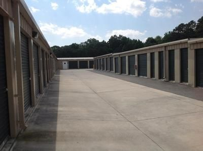 3150 Austell Rd SW Marietta, GA 30008 - Driving Aisle|Drive-up Units