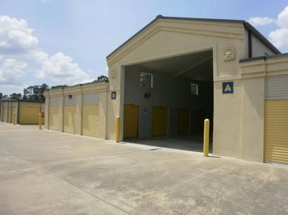 13033 Jones Rd Houston, TX 77070 - Drive-up Units