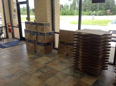 9113 W Highway 98 Pensacola, FL 32506 - Moving/Shipping Supplies|Front Office Interior