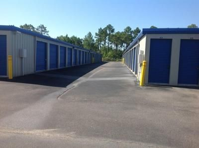 9113 W Highway 98 Pensacola, FL 32506 - Drive-up Units|Driving Aisle