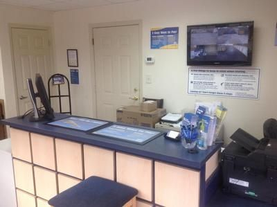 1792 W Hillsborough Ave Tampa, FL 33603 - Front Office Interior