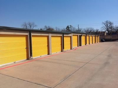 4114 Broadway Blvd Garland, TX 75043 - Drive-up Units
