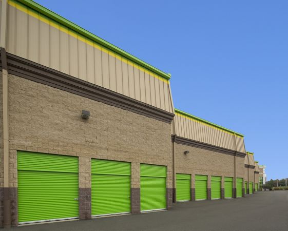 2 Dunnigan Dr Suffern, NY 10901 - Drive-up Units|Driving Aisle