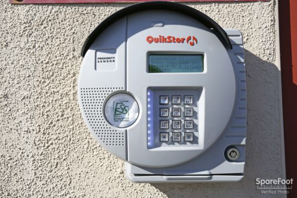 6921 San Fernando Rd Glendale, CA 91201 - Security Keypad