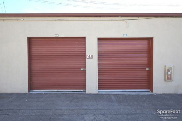 6921 San Fernando Road Glendale, CA 91201 - Drive-up Units