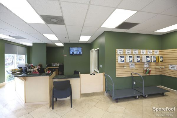 10711 Vinedale St Sun Valley, CA 91352 - Front Office Interior