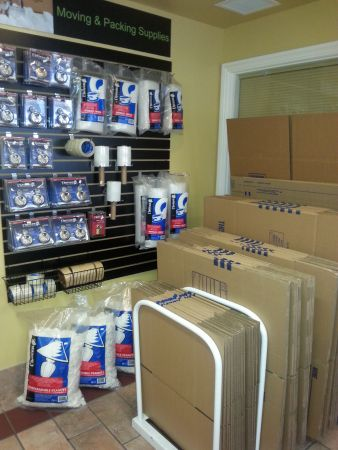 9930 Spencer St Las Vegas, NV 89183 - Moving/Shipping Supplies