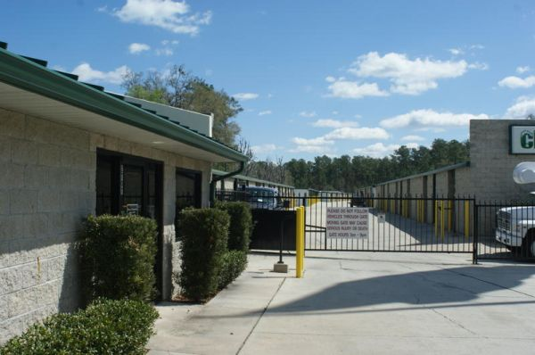 2707 SW 40th Blvd Gainesville, FL 32608 - Security Gate